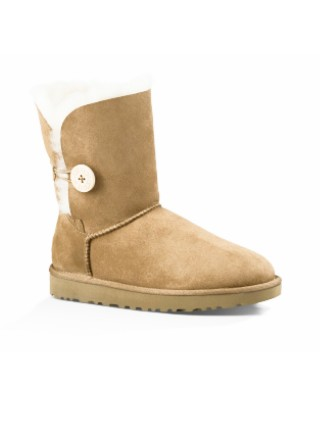 UGG Classic Short Bailey Button Chestnut